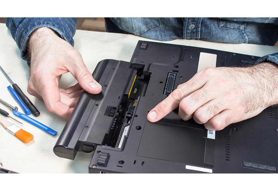 تعویض و جایگزینی باتری لپ تاپ